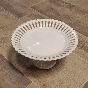 EUC White Heriloom Collection Pedestal Dish